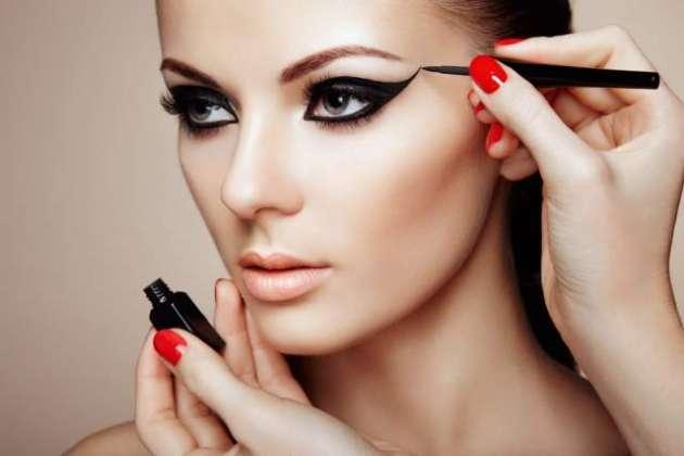 Makeup Zahiri Khoobsoorti Ka Janoon