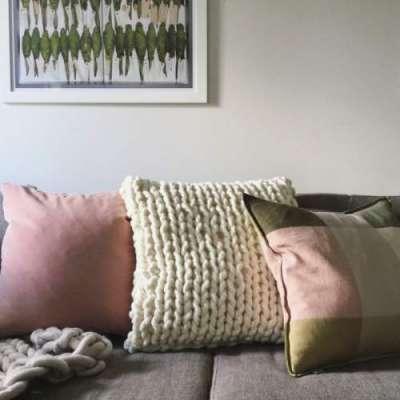 بستر کی چادریں اور تکیوں کے غلاف