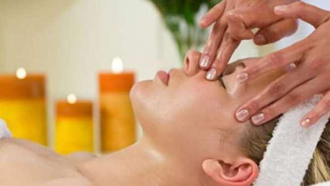 Facial Massag Aap Ki Khubsoorti Ka Zamin