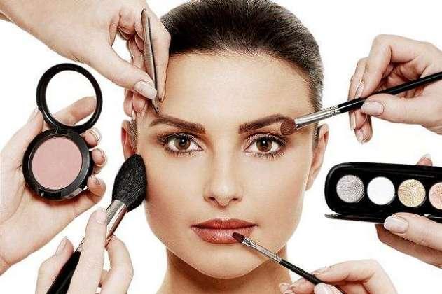 Makeup Bigrny Sy Bchaye Ta Dayr Chahry Pr Qaim Rakhy