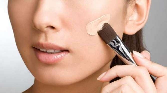Make Up Kaisy Kiya Jaye