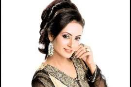 Sola Singhar Chand Chehroon Ko Lagain Char Chand