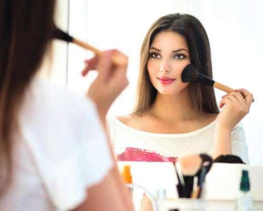 Working Women Ke Liye MakeUp Tricks